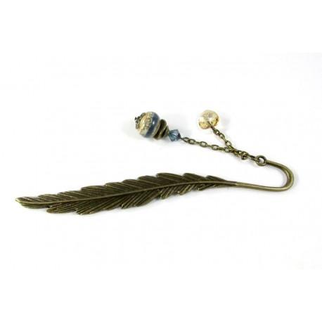 Marque-pages plume bronze et perle bleue