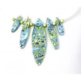 Collier bleu et vert anis