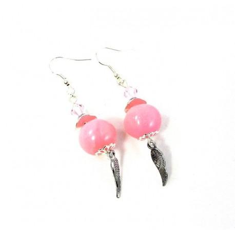 Boucles d'oreilles roses et breloque aile