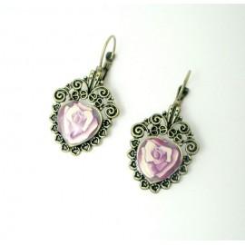 Boucles d'oreille dormeuse motif rose