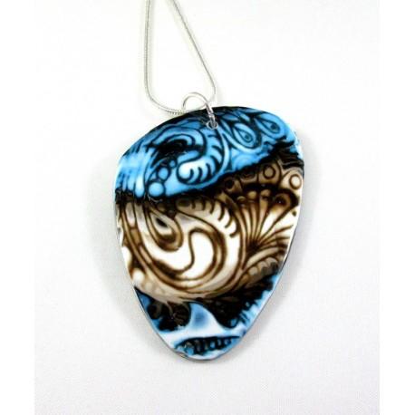 Pendentif bleu et brun arabesques