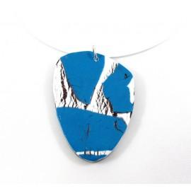 Collier bleu et blanc craquelé