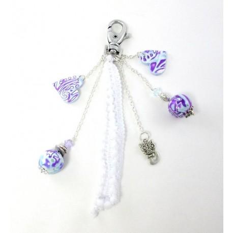 Bijou de sac bleu et violet